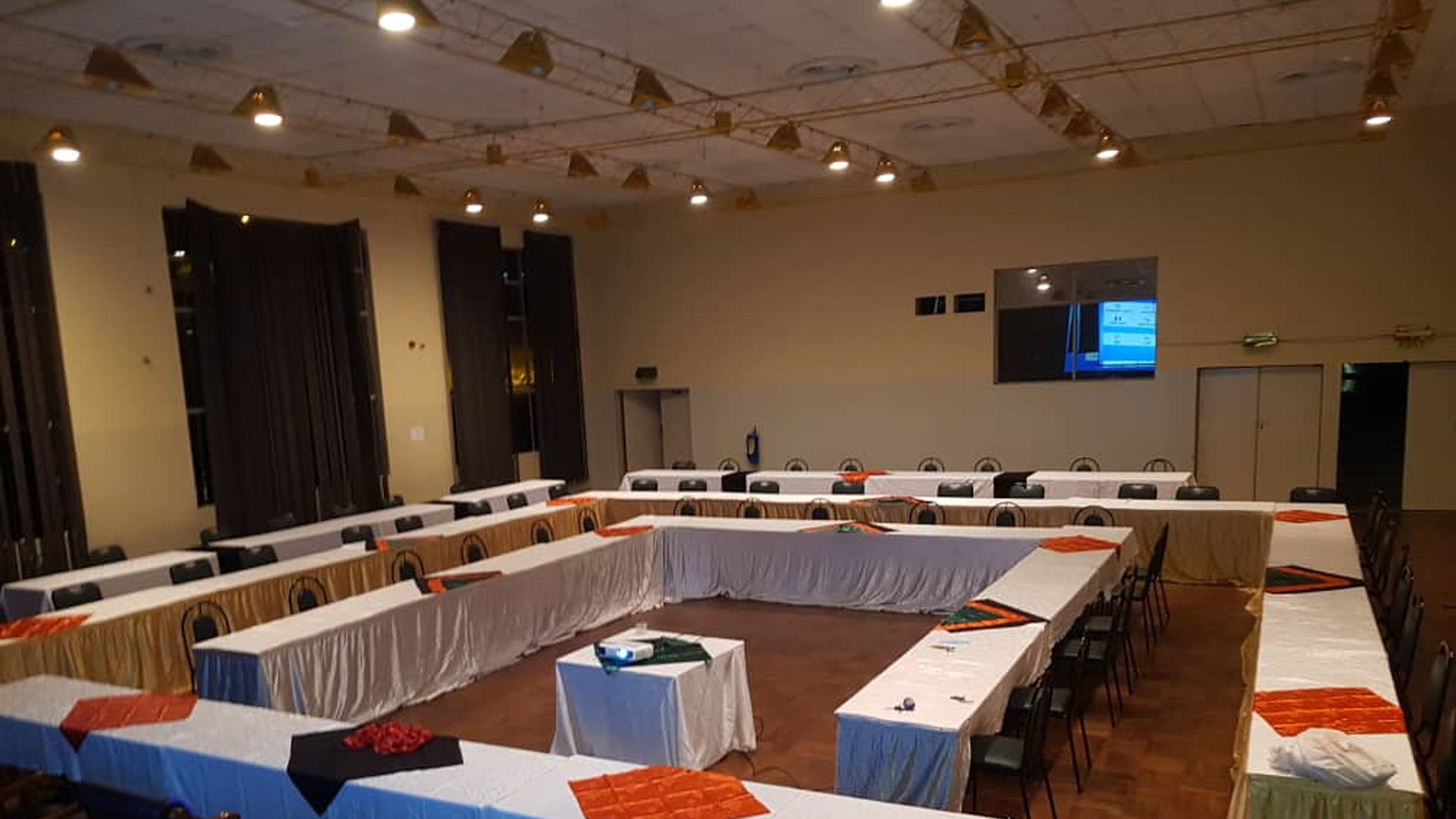 Cut Hotel Conference Rooms